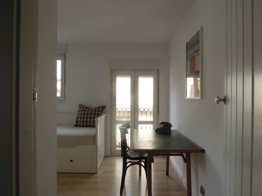 Segunda habitación (ya tiene cortinas y persianas)