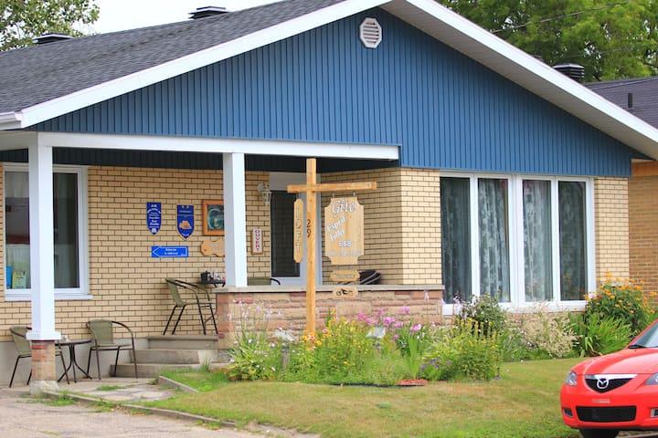 Bienvenue au Gîte Esprit Follet - Baie-Saint-Paul - Bed & Breakfast