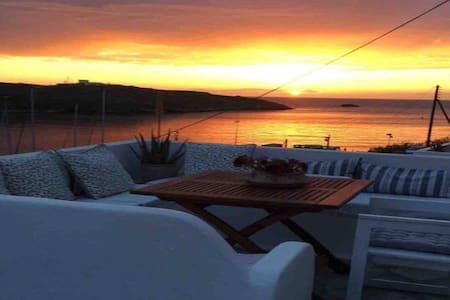 Studio by the sunset in Cyclades 1- Kythnos