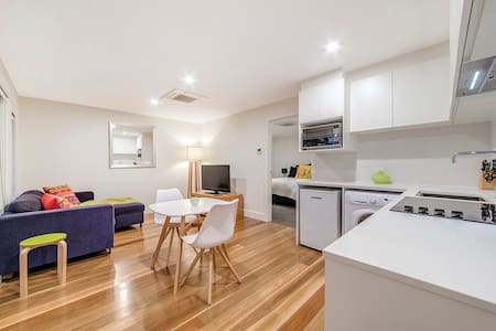 New apartment near Parliament House, Discounted
