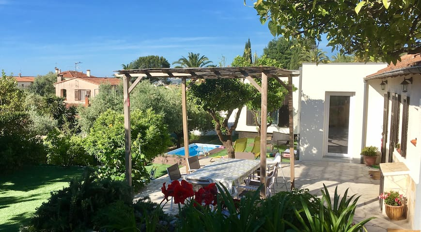Individual House 120 m2, private Garden, Family