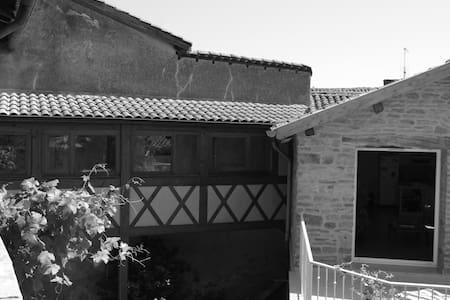 Character house in Beaujolais - le bois d'oingt