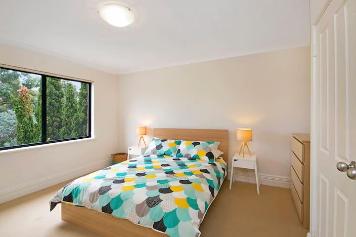 Master bedroom - Built in wardrobes