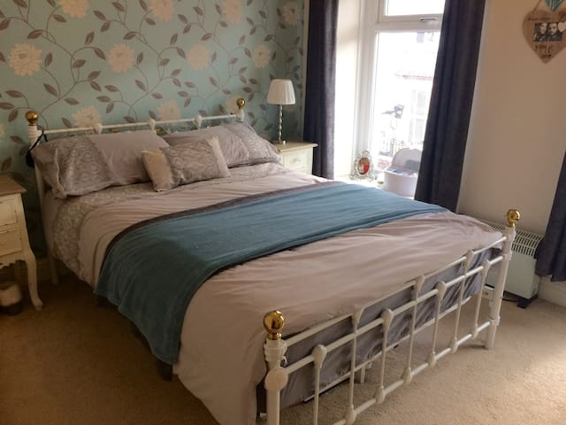 3 bed property with excellent links to Cardiff