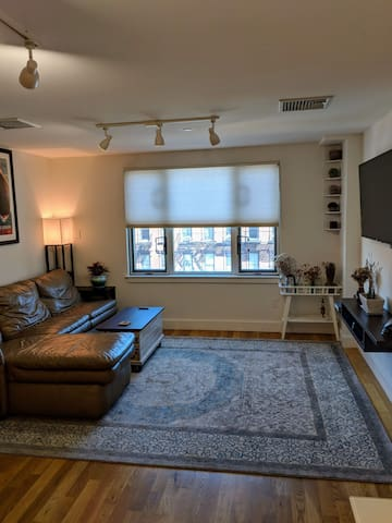 1 BR Near Union Square - a bridge to all boroughs