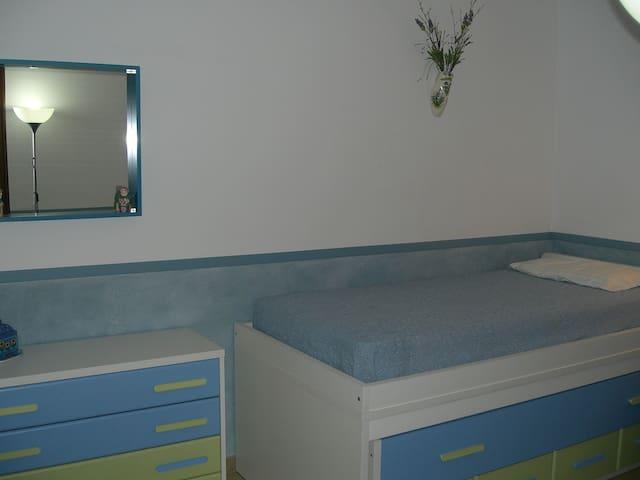 3ème chambre aveclits tiroirs