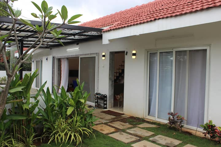Elixir, 3bhk villa with pool, Jacuzzi, bbq, garden