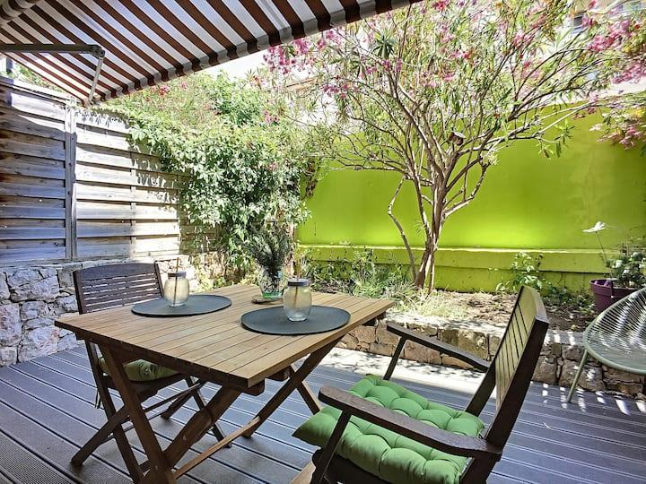 (061) Charmant studio Climatisé avec jardin