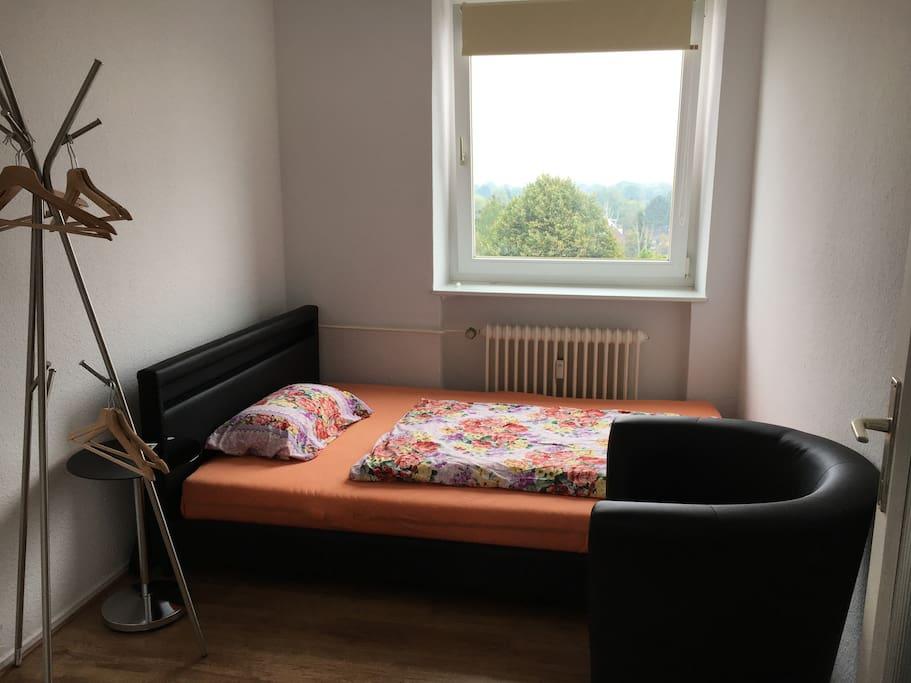 1 zimmer sofort zu vermieten gerne auf dauer apartments for rent in hamburg hamburg germany. Black Bedroom Furniture Sets. Home Design Ideas