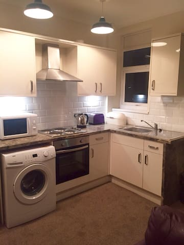 2 double ensuite bedroomed apartment with parking - Cleethorpes - Daire
