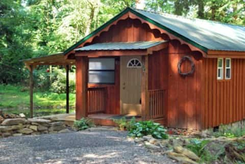 Rustic Retreat Cabins - Cabin 104