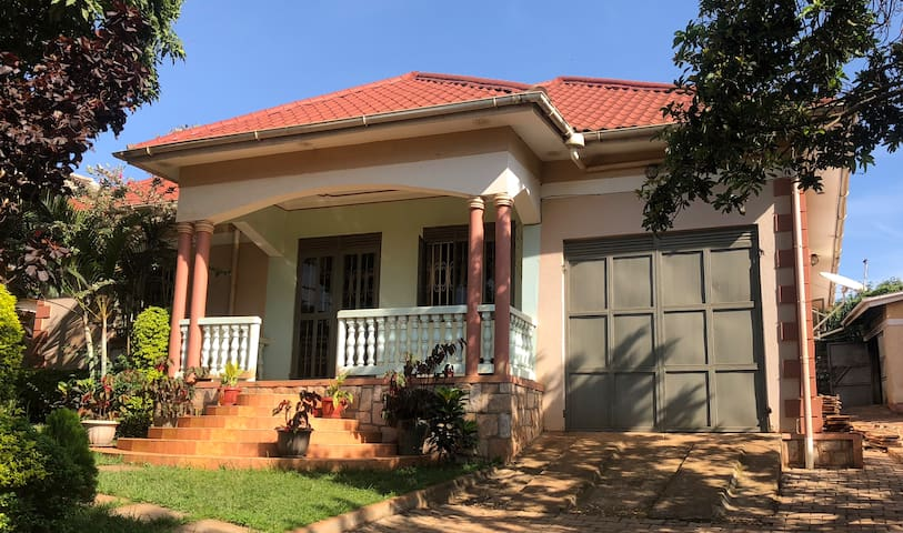 ONE OR TWO ROOMS (1-5PPL) IN DETACHED GUEST HOUSE