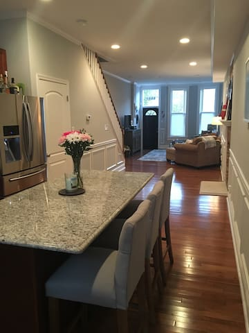 Newly Renovated - Heart of Baltimore - Baltimore - Huis