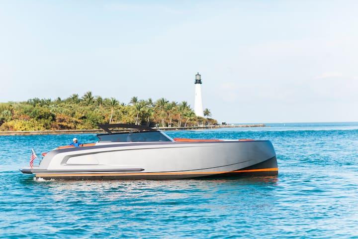 Private Yacht- 2019 Vanquish 45