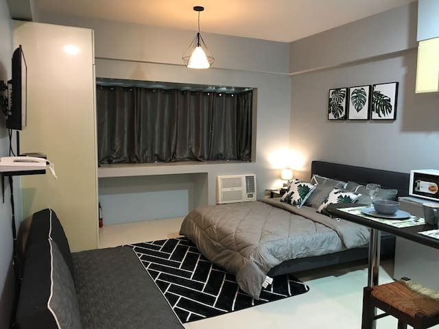 Modern Suite at McKinley Hill Taguig BGC w/Netflix