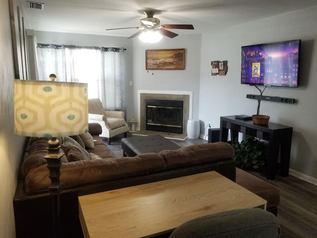 Sit back and relax.  50 inch wall-mounted TV, DVD player, Netflix (sign in provided in any 2 rooms) and Philo streaming TV.