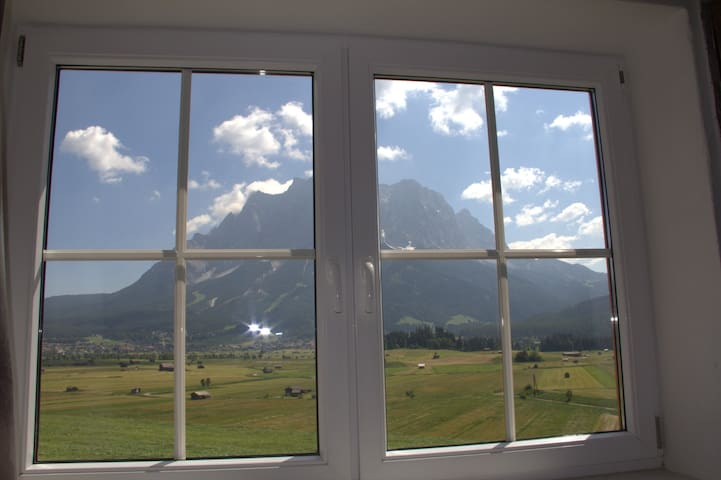 Appartment Zugspitze mit 2 seperaten Duschen u Wc