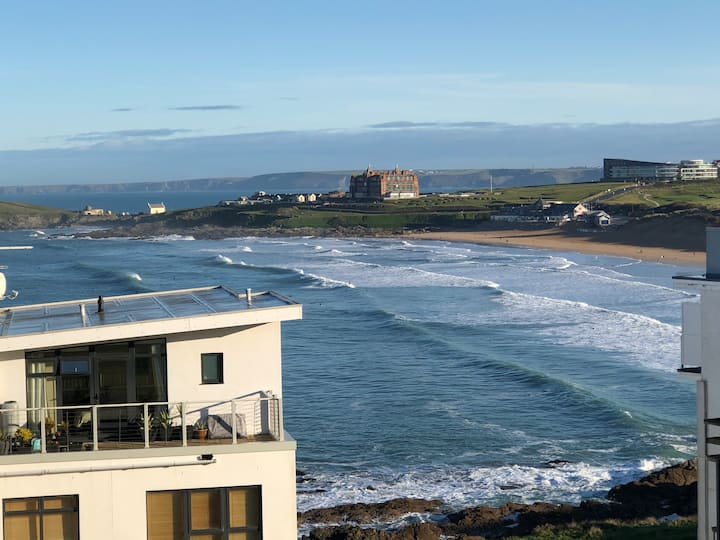 Fistral Sands Apartment overlooking Fistral Beach