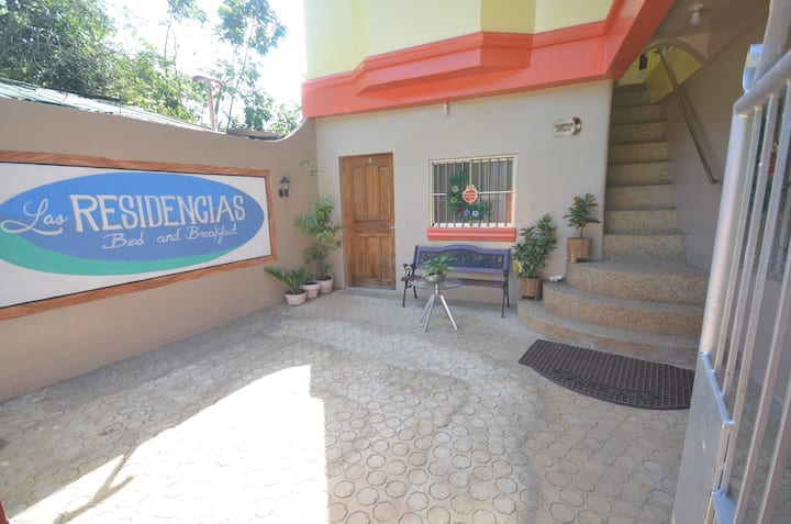 Las Residencias Bed and Breakfast