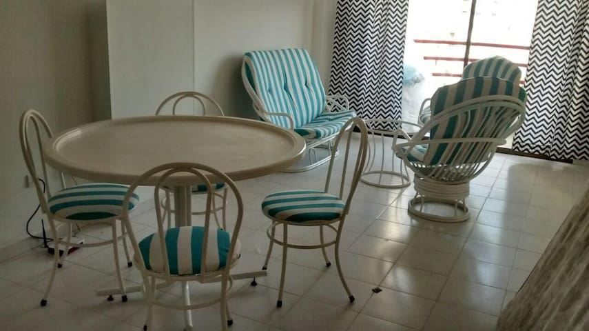 Beautiful & comfy apartment close to the beach