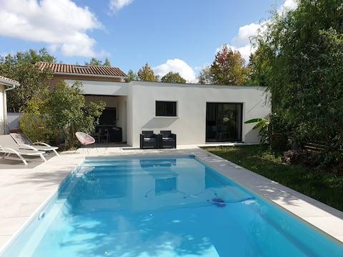 Studio CHIC et cosy sur piscine et jardin