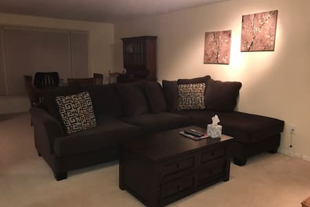 2 rooms available in cute ranch - Penfield - Hus