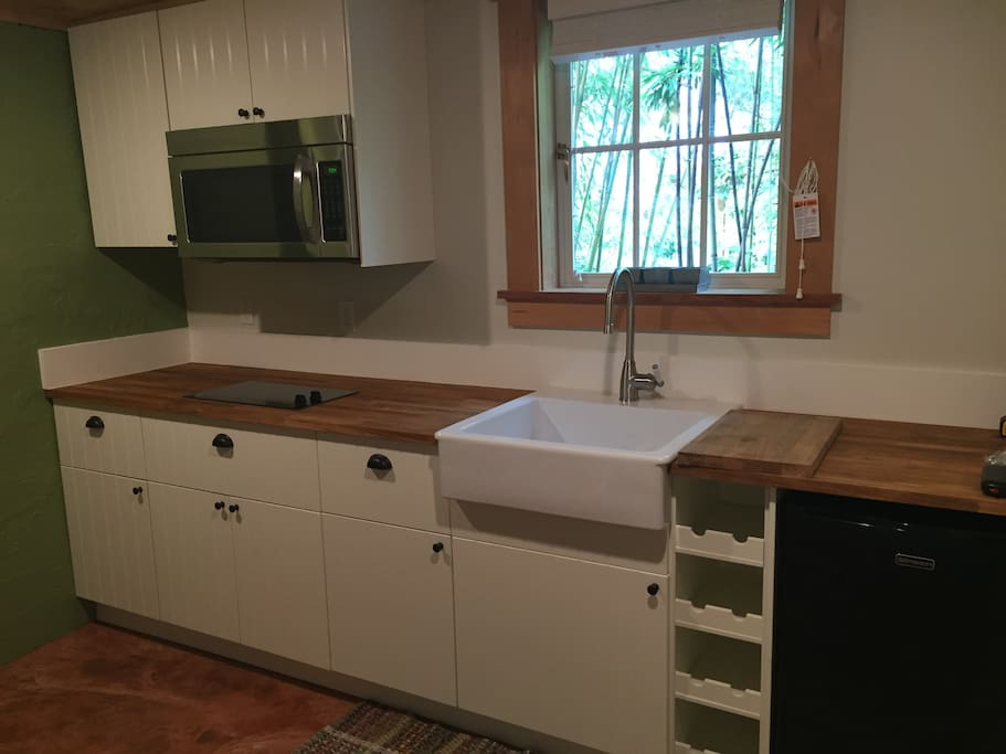 New Kitchenette with stove top, microwave and toaster oven