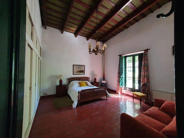 Habitacion principal en suite y sofa cama