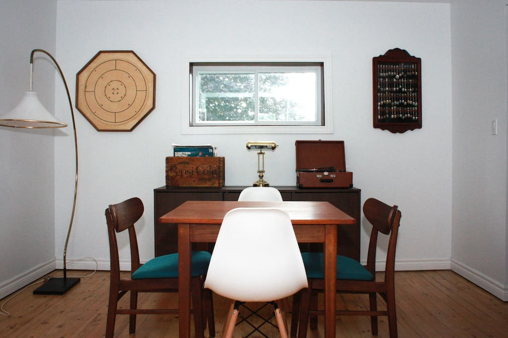 Parlour to use as workspace, breakfast nook, games room (we have many different board games for use)