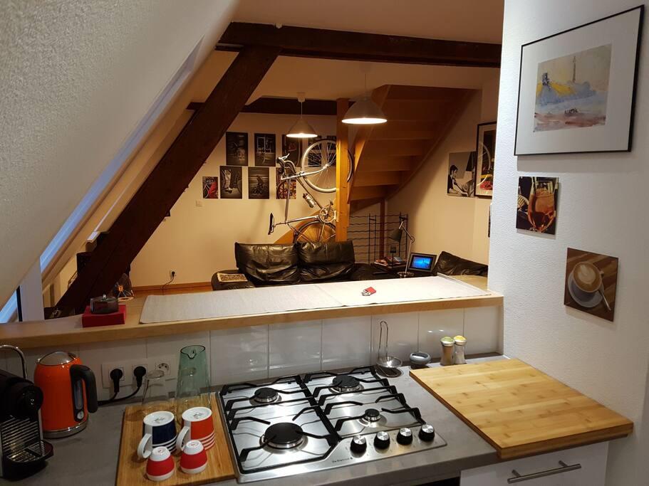 Salon depuis la cuisine