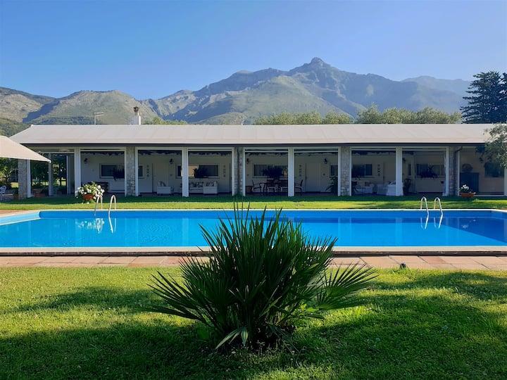 Il Quadrifoglio: villetta con piscina a Formia