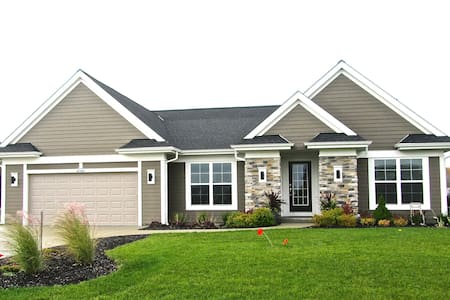 Newer-Construction Home | 12 Miles from Erin Hills - Germantown