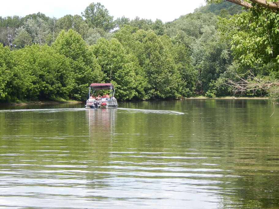 With an average depth of 19 feet, the creek at the cabin is ideal for boats of all sizes.