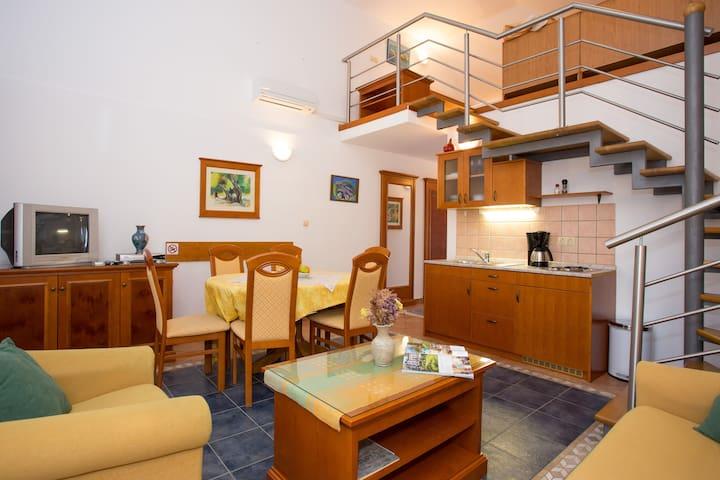 Geräumiges Apartment- Altstadt- Rab