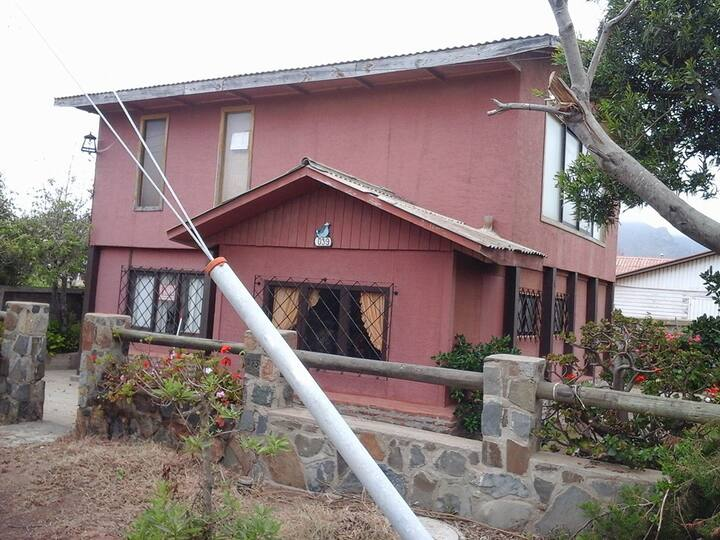 Preciosa casa a pasos de la playa de Pichidangui