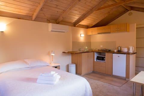 Central Healesville loft apartment