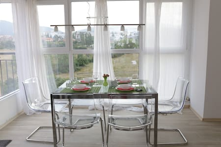 Cozy Penthouse close to New Bulgarian University - Sofia - Flat