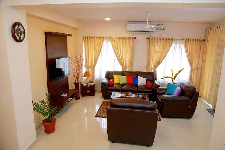 Teresa Plaza Serviced Appartment 2 - Kottayam - Lejlighed