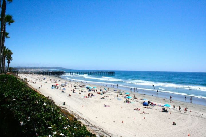 Beautiful Pacific Beach is only 1 block away. View above beach looking south towards Crystal Pier