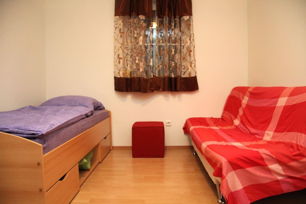 drei zimmer wohnung im mehrfamilienhaus appartements louer friedberg hesse allemagne. Black Bedroom Furniture Sets. Home Design Ideas