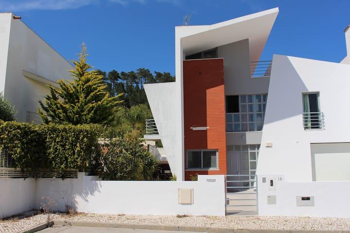 Moradia espaçosa - Cotovia - House