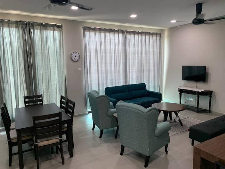 Sheryfa Kuantan Homestay -Full A/C (upper unit)