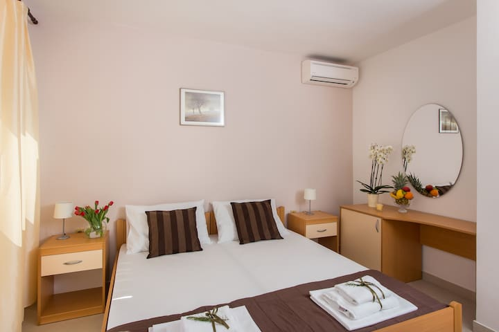 Rosa Bianca - Deluxe  Double Room with Sea View - Mokošica - Appartamento