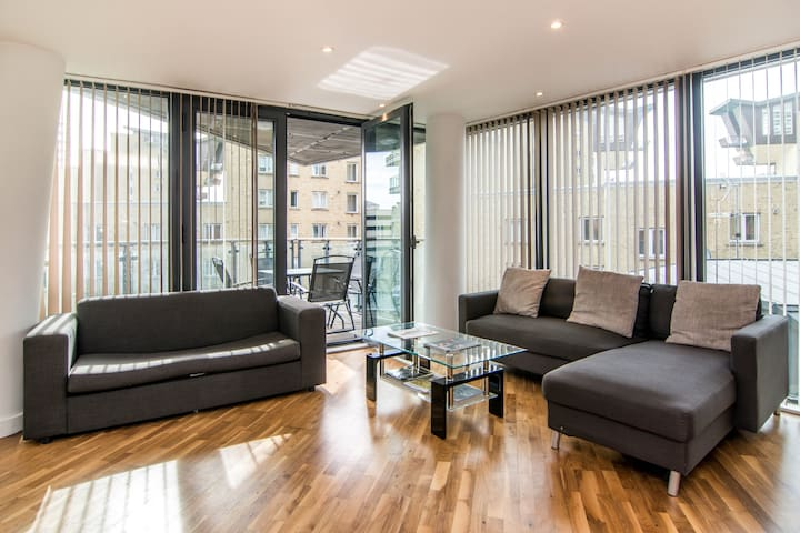 Charming 2 Bedroom Apartment - 185