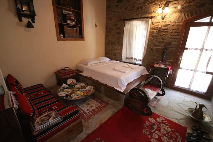 Standard Double Room - Şirince - Bed & Breakfast