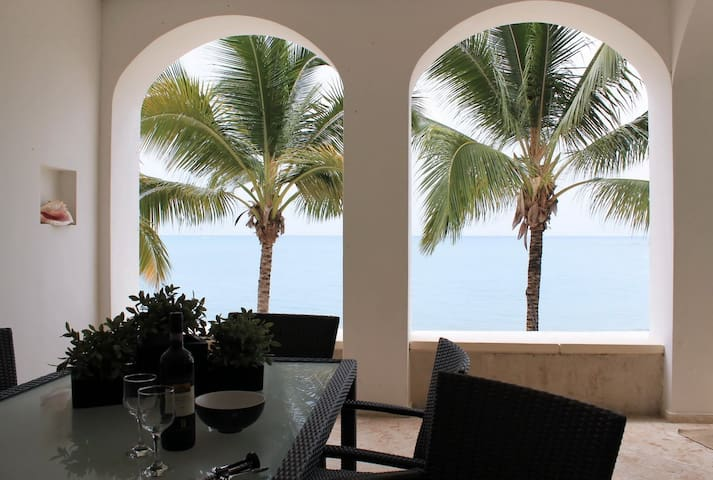 3BR - Luxury Beachfront