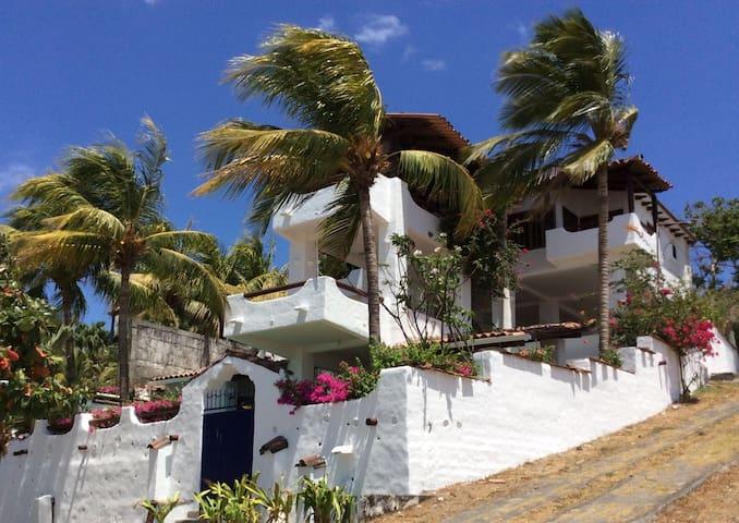 Pochomil Beach House, Pacific ocean