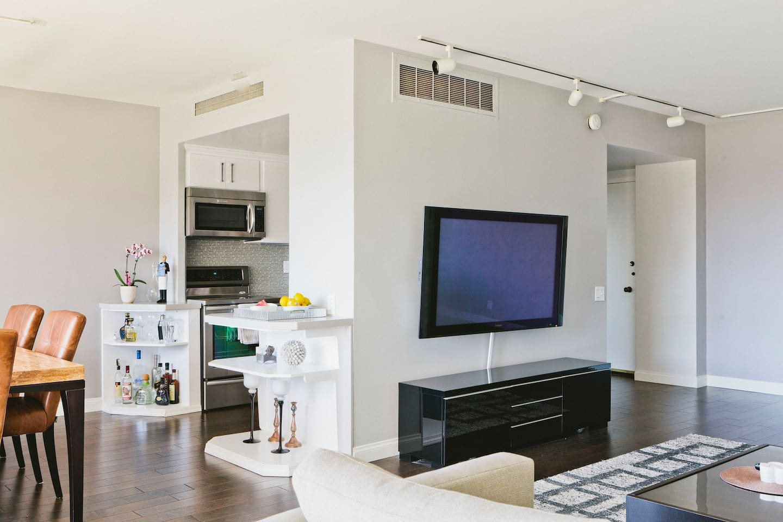 luxury condo on wilshire corridor apartments for rent in los