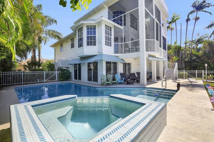 SPINNAKER DR. 490 MARCO ISLAND VACATION RENTAL