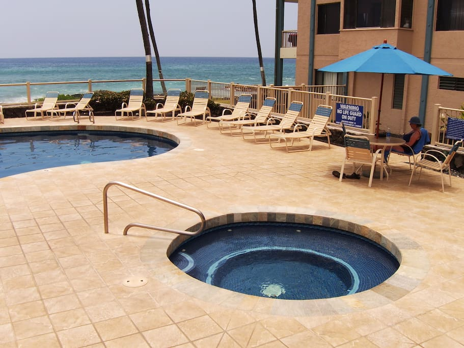 Hot tub! And salt water pool with ocean view! And BBQ area.